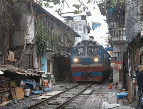 El Tren callejero de Hanoi